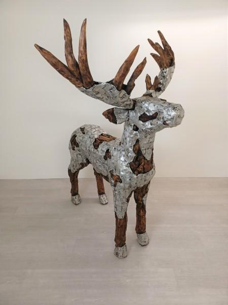 Hirsch mit Aluminium vereedelt