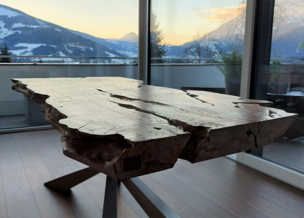 Tisch Kelengkeng